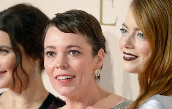 Emma Stone attends 'The Favourire' UK Premiere